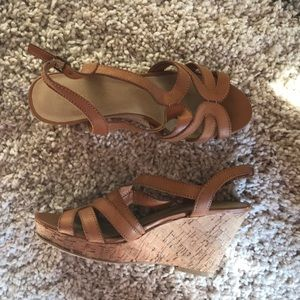 Dsw cork tan leather wedges